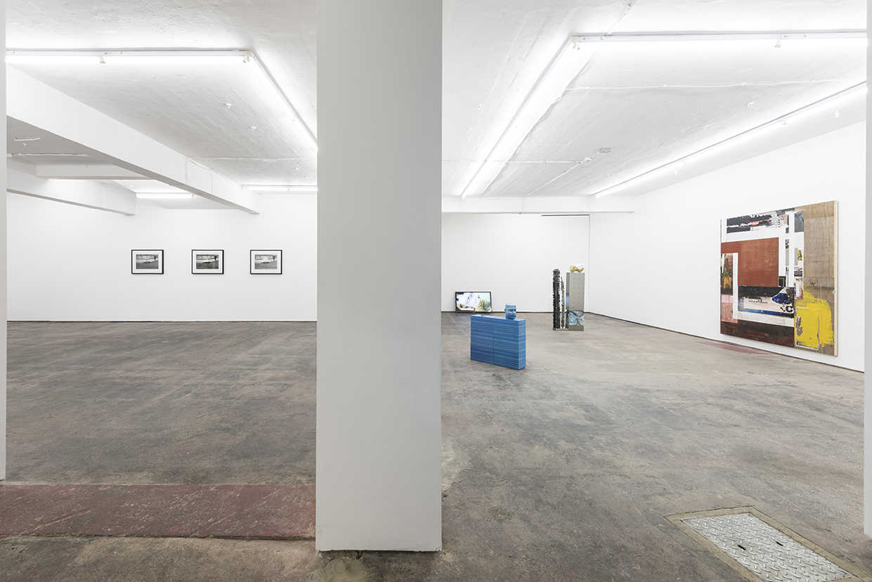 morning-uber-evening-oscillators-seventeen-installation-view-2